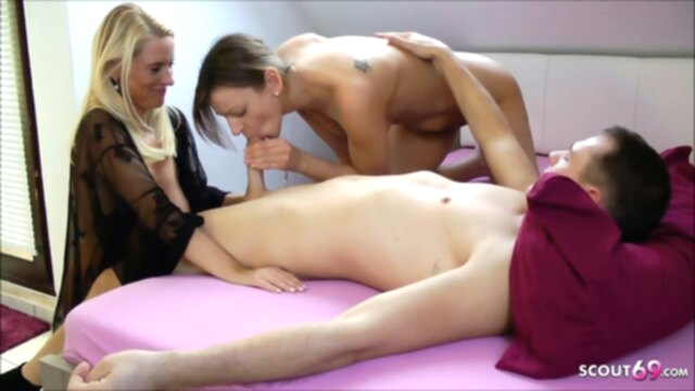 Daughter caught Stepmom with her BF and Joins For A Threesome, German KeezMovies hardcore